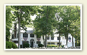 Gettysburg Bed and Breakfast - The Doubleday Inn, the only Gettysburg B & B located directly on the National Battlefield